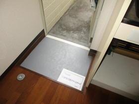 メゾンM&N 103号室の玄関