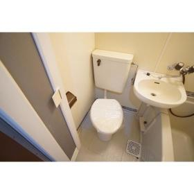 シャンテ南林間 102号室のトイレ