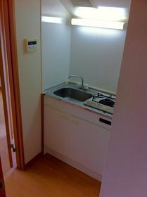 湘南マンション 3-J号室のキッチン