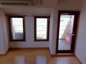 湘南マンション 3-J号室のリビング