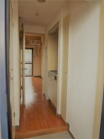 サンプラザ南林間 203号室の居室