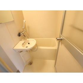メゾン・エマーブル 101号室の風呂
