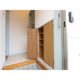 メゾン・エマーブル 101号室の洗面所