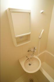 ボーンブン 106号室の洗面所