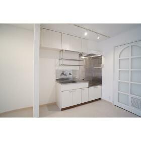 第1映光ビル 303号室のキッチン
