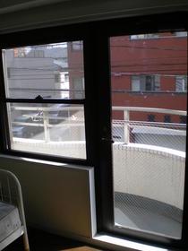 Queens Academia 202号室のバルコニー