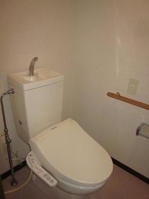 ライブ・トピア寺町 501号室のトイレ