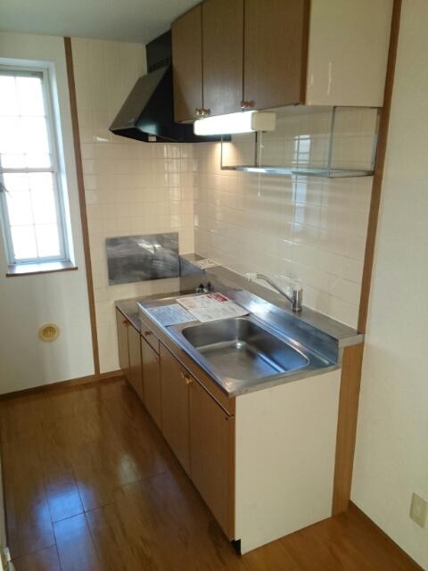 メゾントゥボヌ-ル 02010号室のキッチン