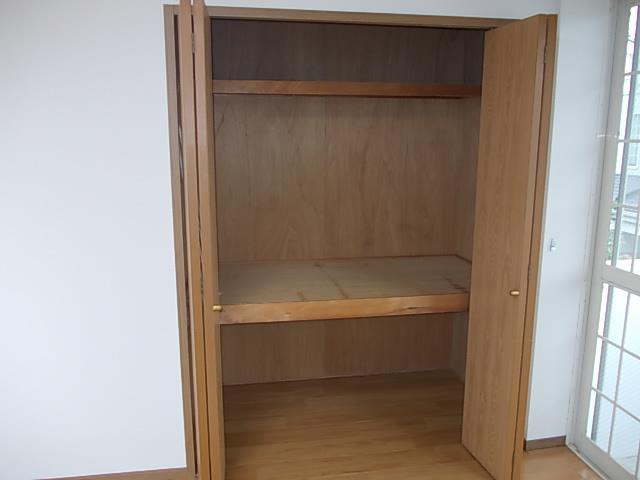 グラシュⅡ 02030号室の収納