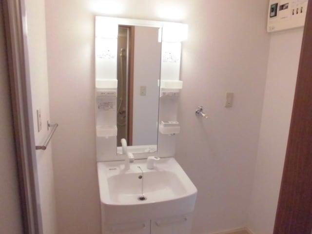 ヴィラ・ヴェルデ 02010号室のトイレ