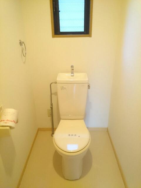 ロジュマン本郷B棟 01010号室のトイレ