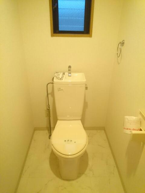 ロジュマン本郷B棟 02020号室のトイレ