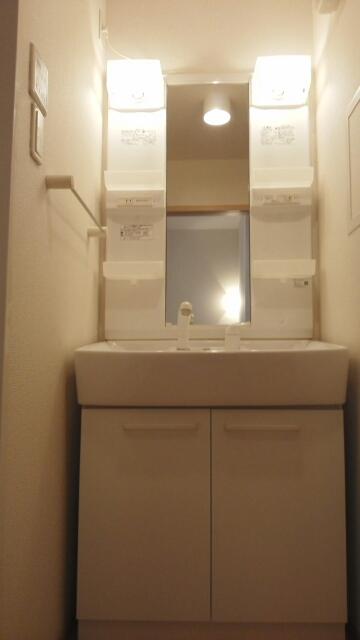 ブル アルベロ 02020号室の洗面所