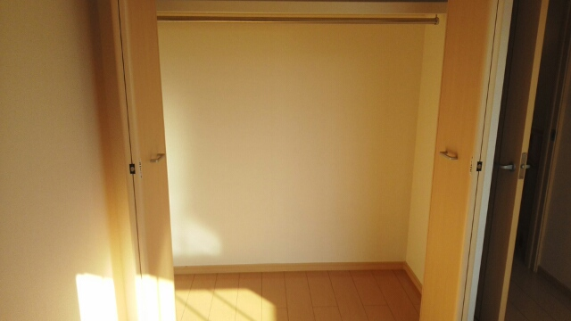 ブル アルベロ 02020号室の収納