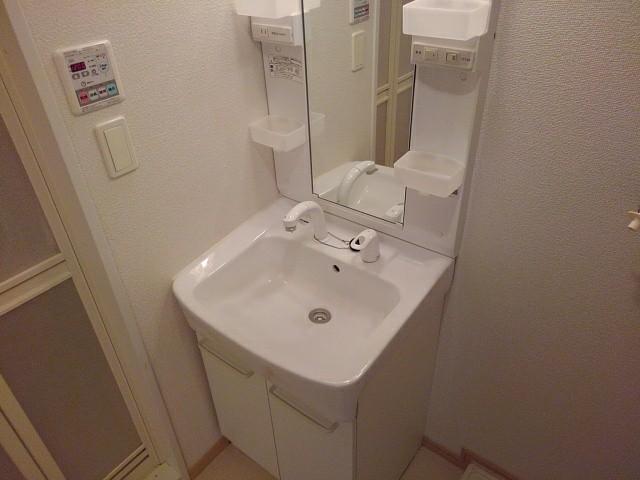 レーヴ ダンジュ Ⅰ 01010号室の風呂