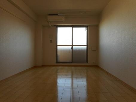 レーヴ ダンジュ Ⅰ 03030号室の居室