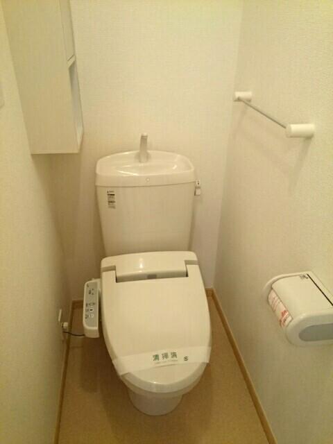 エアリーテラス 02030号室のトイレ