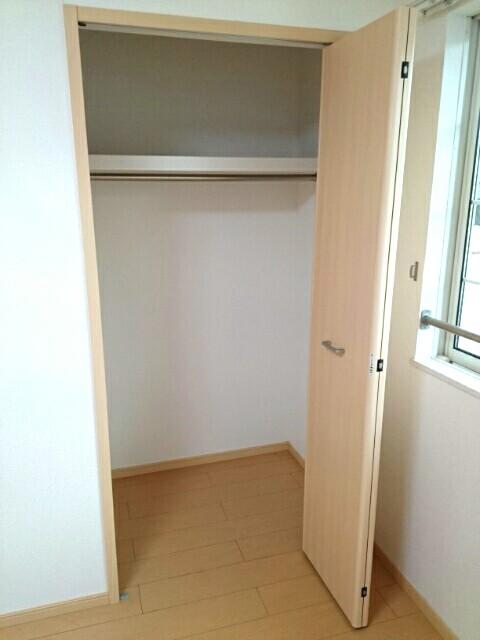 エアリーテラス 02030号室の収納