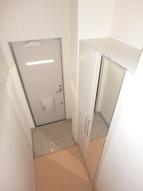 ヴェルデ向陽Ⅰ 02030号室の玄関
