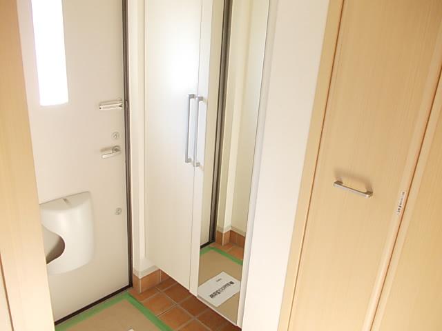 パルデフォンド 01020号室の玄関