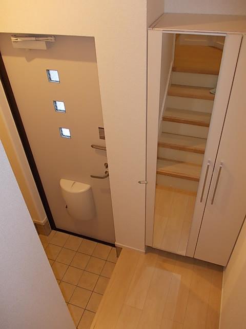 ソルテ・カトレア 03030号室の玄関