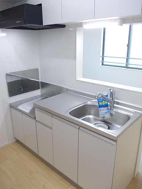 ソルテ・カトレア 03030号室のキッチン