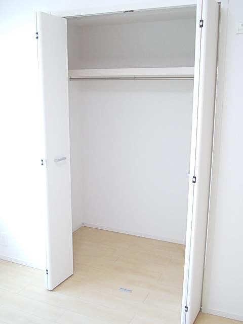 ソルテ・カトレア 03030号室の収納