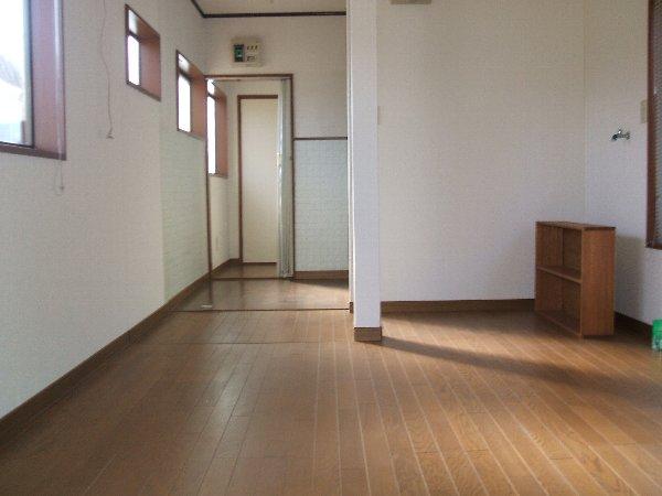 金杉アパート C号室のリビング