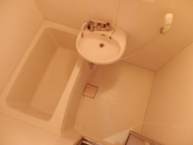 シルクハウス 102号室の風呂