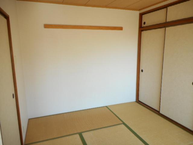 エミネンス夏見台 202号室の居室