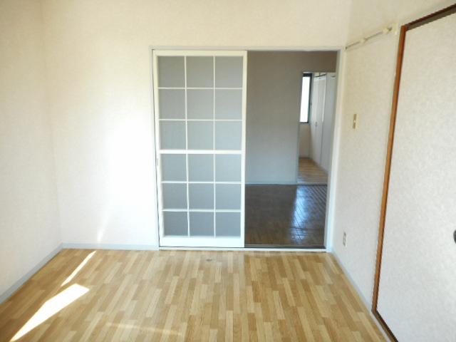 エミネンス夏見台 205号室の居室