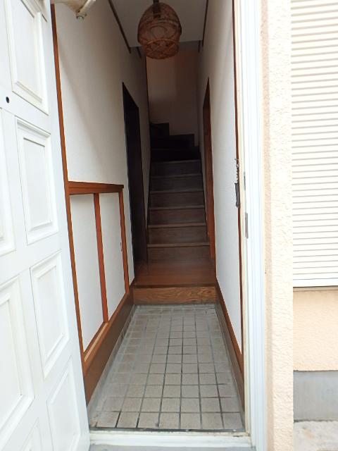 藤原戸建の玄関