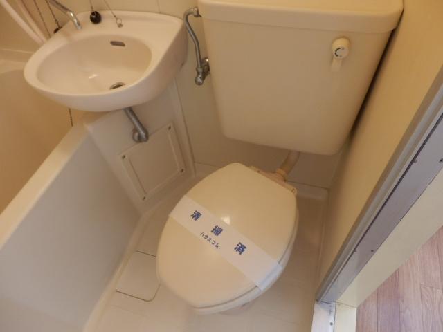青木マンション 403号室のトイレ