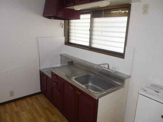グランデュール芝山 102号室のキッチン