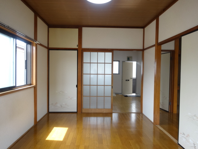佐久間ハイツA棟 203号室のリビング