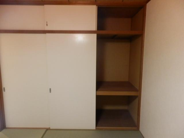 ハイツ梨花 105号室の収納