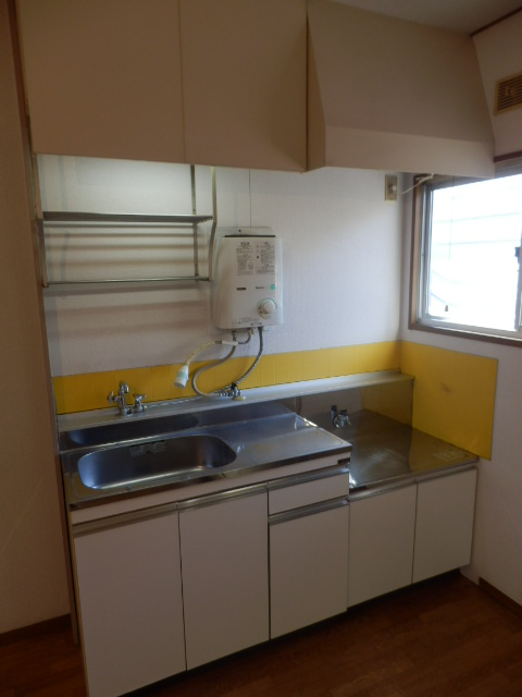 ハイツ梨花 105号室のキッチン