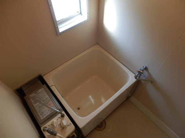 ハイツ梨花 105号室の風呂