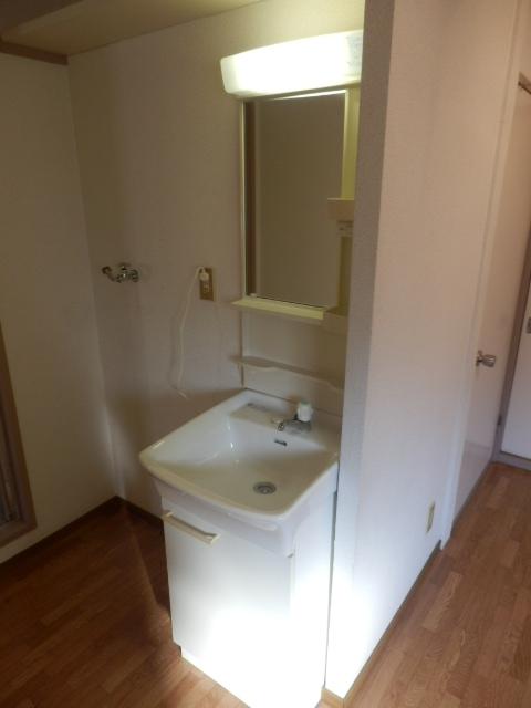 ハイツ梨花 105号室の洗面所