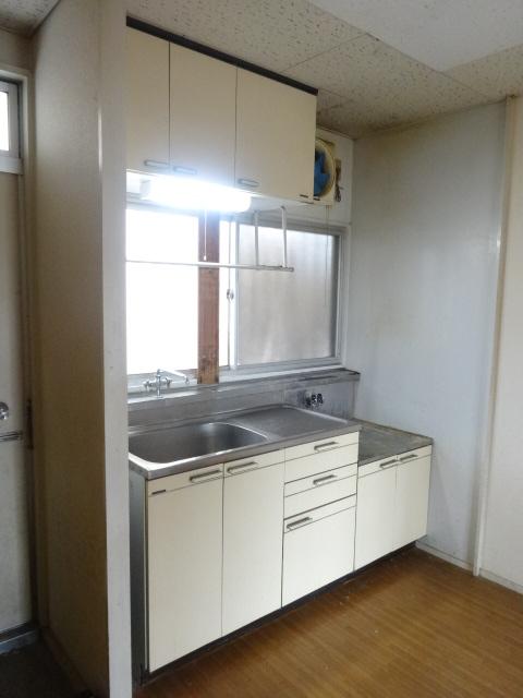 ゴールドコーポ 205号室のキッチン