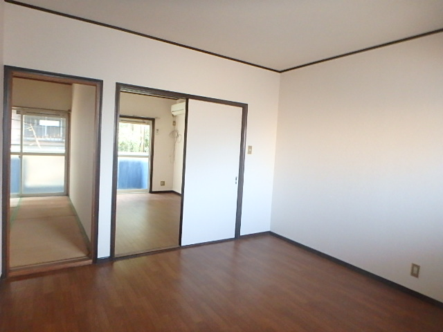 メゾンハピネス 101号室の居室