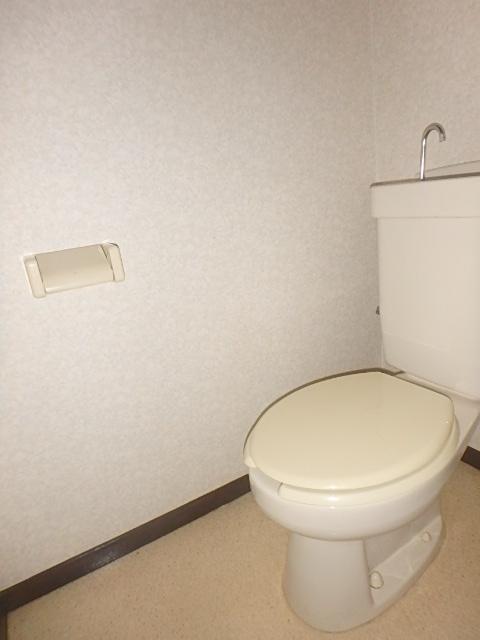 メゾンハピネス 102号室のトイレ