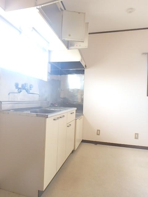 メゾンハピネス 201号室のキッチン