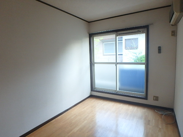 メゾンハピネス 202号室の居室