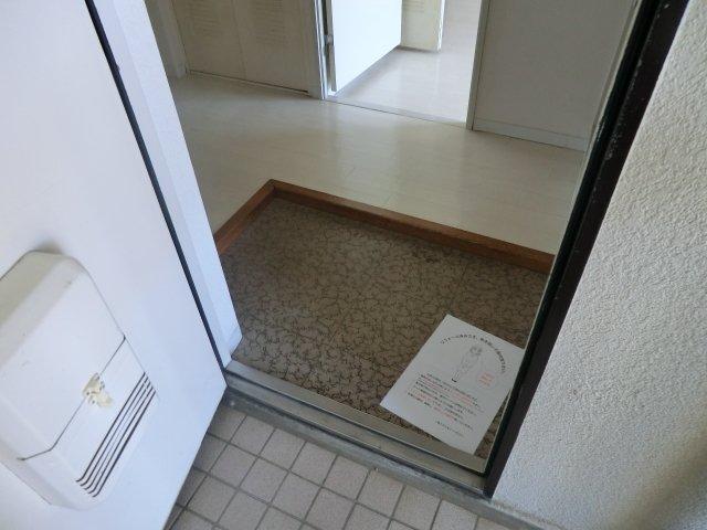 ジュネス和光 503号室の玄関