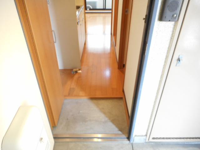 津賀マンション 301号室の玄関