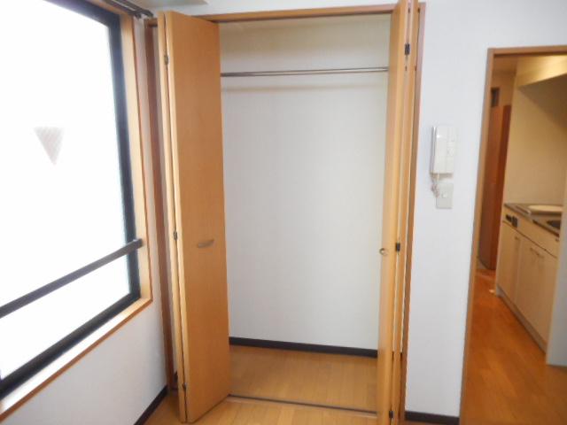 津賀マンション 301号室の収納