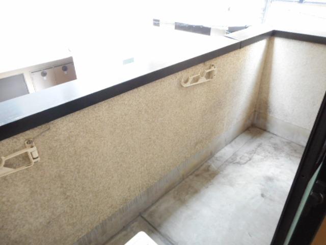 津賀マンション 301号室のバルコニー