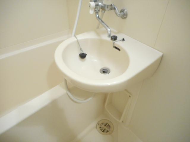 津賀マンション 301号室の洗面所