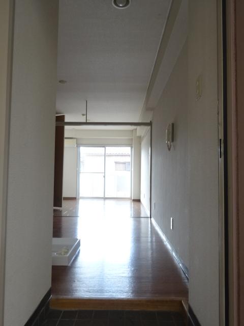 グリーンヒルズ 207号室の玄関